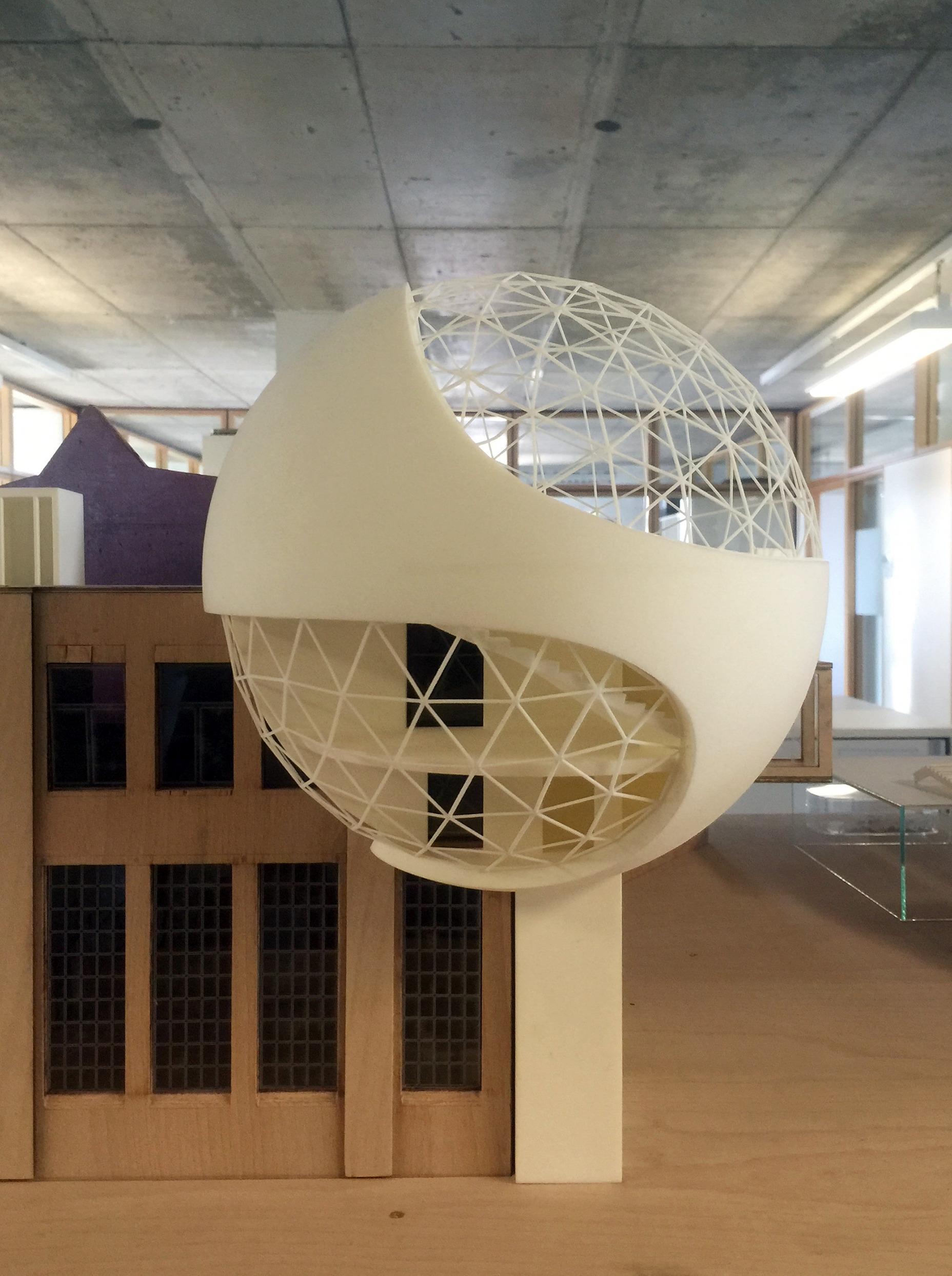 Gitterstruktur und gläserne Hülle – eine modernistische Kugel mit 12 Metern Durchmesser Bildrechte: Kirow Leipzig